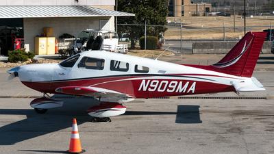 N909MA - Piper PA-28-181 Archer LX - Private