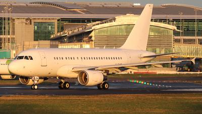 G-EUNB - Airbus A318-112 - Titan Airways
