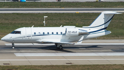 TC-KLE - Bombardier CL-600-2B16 Challenger 605 - Private