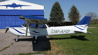 OM-AFD - Cessna 172S Skyhawk SP - Private