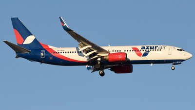 VP-BYD - Boeing 737-89L - Azur Air