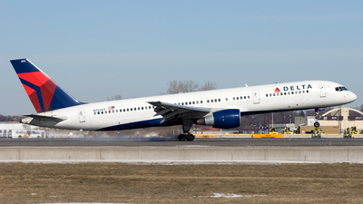A picture of N752AT - Boeing 757212 - [23128] - © Jeremy D. Dando