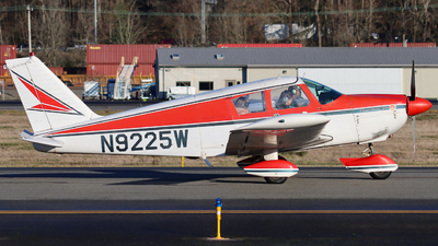 N9225W - Piper PA-28-235 Cherokee - Private