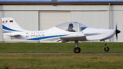 D-MJXX - Breezer B400 - Flugschule Jesenwang