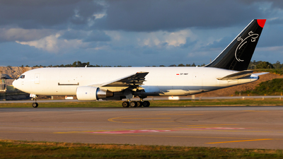 SP-MRF - Boeing 767-281(BDSF) - SkyTaxi
