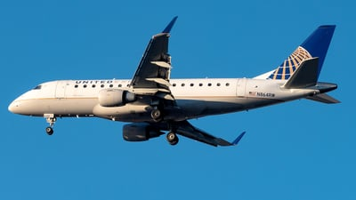 A picture of N864RW - Embraer E170SE - United Airlines - © Yan777