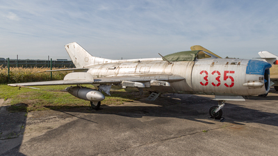 335 - Mikoyan-Gurevich Mig-19PM Farmer D - German Democratic Republic - Air Force