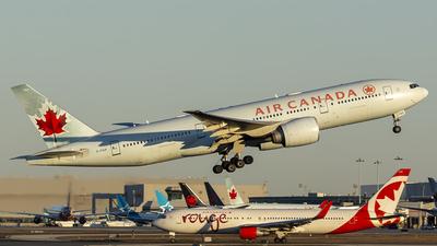 A picture of CFIUF - Boeing 777233(LR) - Air Canada - © Tianyi Liu