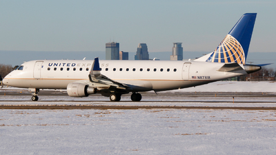 A picture of N87318 - Embraer E175LR - United Airlines - © Alec Mollenhauer