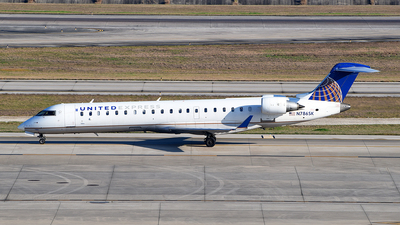 A picture of N786SK - Mitsubishi CRJ701ER - United Airlines - © Rocky Wang
