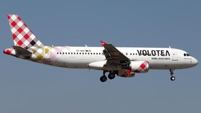 EC-NOQ - Airbus A320-216 - Volotea