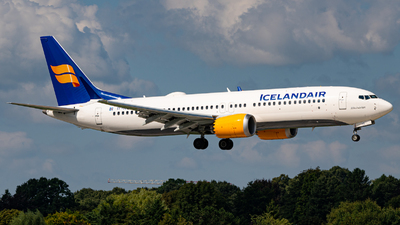 A picture of TFICE - Boeing 737 MAX 8 - Icelandair - © Niclas Rebbelmund