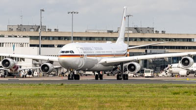 16-02 - Airbus A340-313X - Germany - Air Force