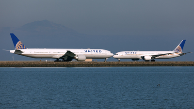 N2243U - Boeing 777-322ER - United Airlines