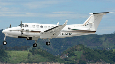 PR-MOZ - Beechcraft B300 King Air 350i - Private