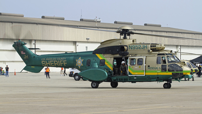 N952JH - Aérospatiale AS 332L1 Super Puma - United States - Los Angeles County Sheriff
