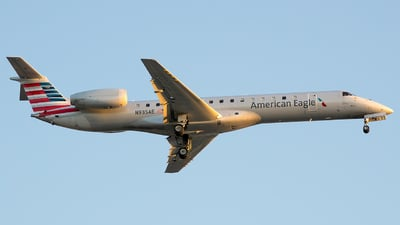 A picture of N935AE - Embraer ERJ145LR - American Airlines - © Stephen J Stein