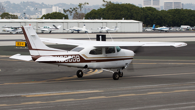 N666DB - Cessna 210L Centurion II - Private