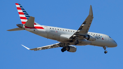 A picture of N419YX - Embraer E175LR - American Airlines - © Jeremy D. Dando