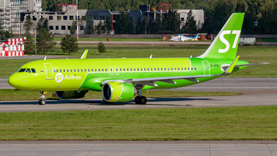 A picture of VPBTB - Airbus A320271N - S7 Airlines - © Yan Syrbo