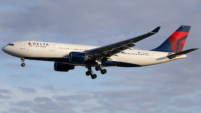 A picture of N853NW - Airbus A330223 - Delta Air Lines - © Marvin Knitl