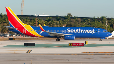 A picture of N8548P - Boeing 7378H4 - Southwest Airlines - © Mark Lawrence