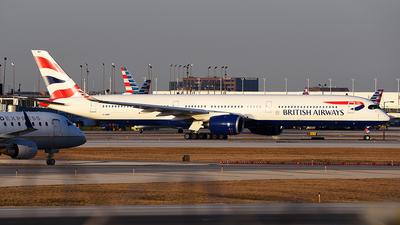 A picture of GXWBF - Airbus A3501041 - British Airways - ©  JC