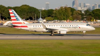N428YX - Embraer 170-200LR - American Eagle (Republic Airways)