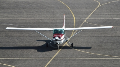 D-EGGX - Cessna 172RG Cutlass RG II - Private