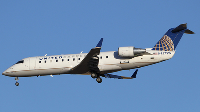 N957SW - Bombardier CRJ-200LR - United Express (SkyWest Airlines)