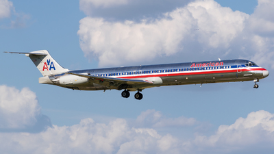 N555AN - McDonnell Douglas MD-82 - American Airlines