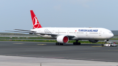 A picture of TCLKB - Boeing 77736N(ER) - Turkish Airlines - © Turkay Oksuz