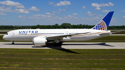 N26909 - Boeing 787-8 Dreamliner - United Airlines
