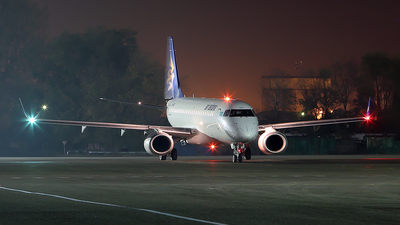 P4-KCE - Embraer 190-100LR - Air Astana