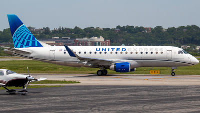 A picture of N87365 - Embraer E175LL - United Airlines - © Will Fibich