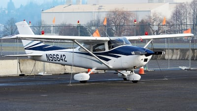 A picture of N96642 - Cessna 182Q Skylane - [18266791] - © Huy Do