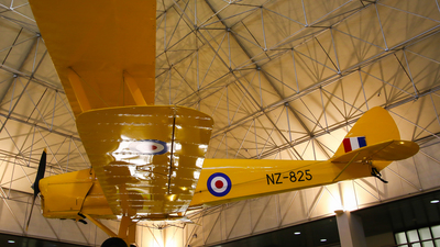 NZ825 - De Havilland DH-82A Tiger Moth - New Zealand - Royal New Zealand Air Force (RNZAF)