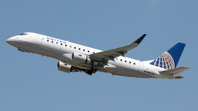 A picture of N86309 - Embraer E175LR - United Airlines - © Yixin Chen
