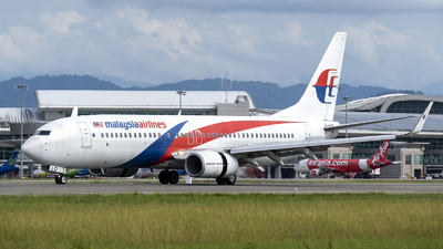 A picture of 9MMLO - Boeing 7378H6 - Malaysia Airlines - © ChinJH