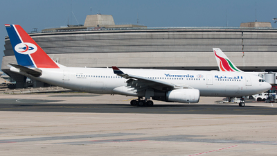 7O-ADP - Airbus A330-243 - Yemenia - Yemen Airways