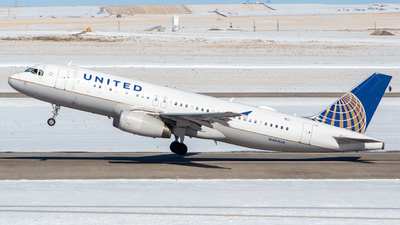 N484UA - Airbus A320-232 - United Airlines