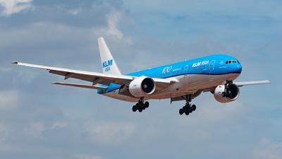 PH-BQL - Boeing 777-206(ER) - KLM Asia