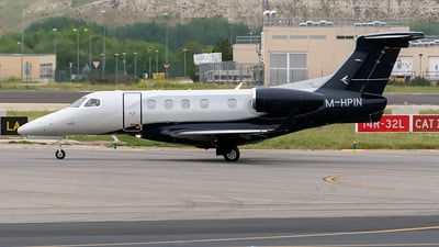 M-HPIN - Embraer 505 Phenom 300 - Private