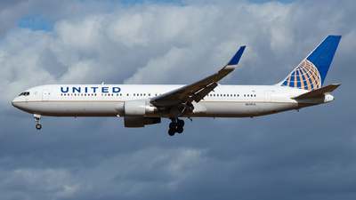 N659UA - Boeing 767-322(ER) - United Airlines