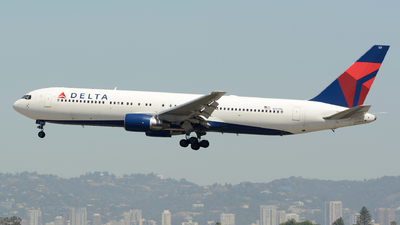 N127DL - Boeing 767-332 - Delta Air Lines