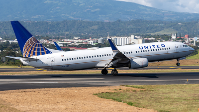 A picture of N14231 - Boeing 737824 - United Airlines - © Cristian Quijano