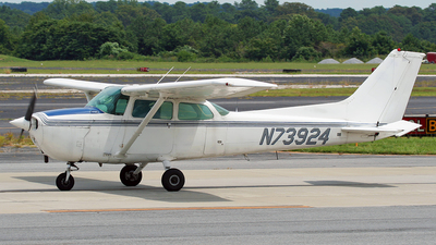 N73924 - Cessna 172N Skyhawk II - Private