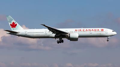 A picture of CFIUW - Boeing 777333(ER) - Air Canada - © Sebastian Sowa