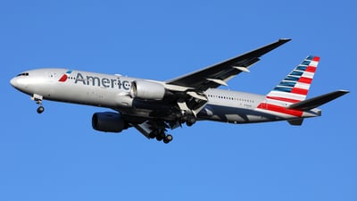 A picture of N784AN - Boeing 777223(ER) - American Airlines - © Len Schwartz