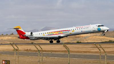 A picture of ECLJS - Mitsubishi CRJ1000 - Iberia - © aaron_gcrr